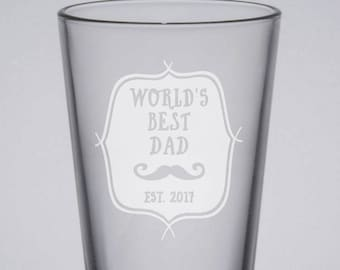 World's Best Dad Pint Glass, Etched Pint Glass, 16oz Beer Glass, Engraved Glass, New Dad Gift, Sandblasted, Father's Day Pint, Gift for Dad