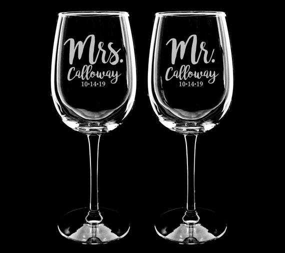 Newlywed Gift for Couple Custom Engraved Mr and Mrs Wine Glass Set for Wedding