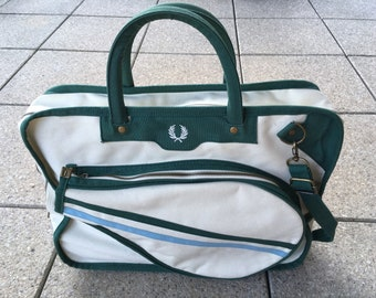 6bdc2629531a Vintage FRED PERRY Badmington Bag   Gym Bag Vintage Sports Beautiful In  Every Detail