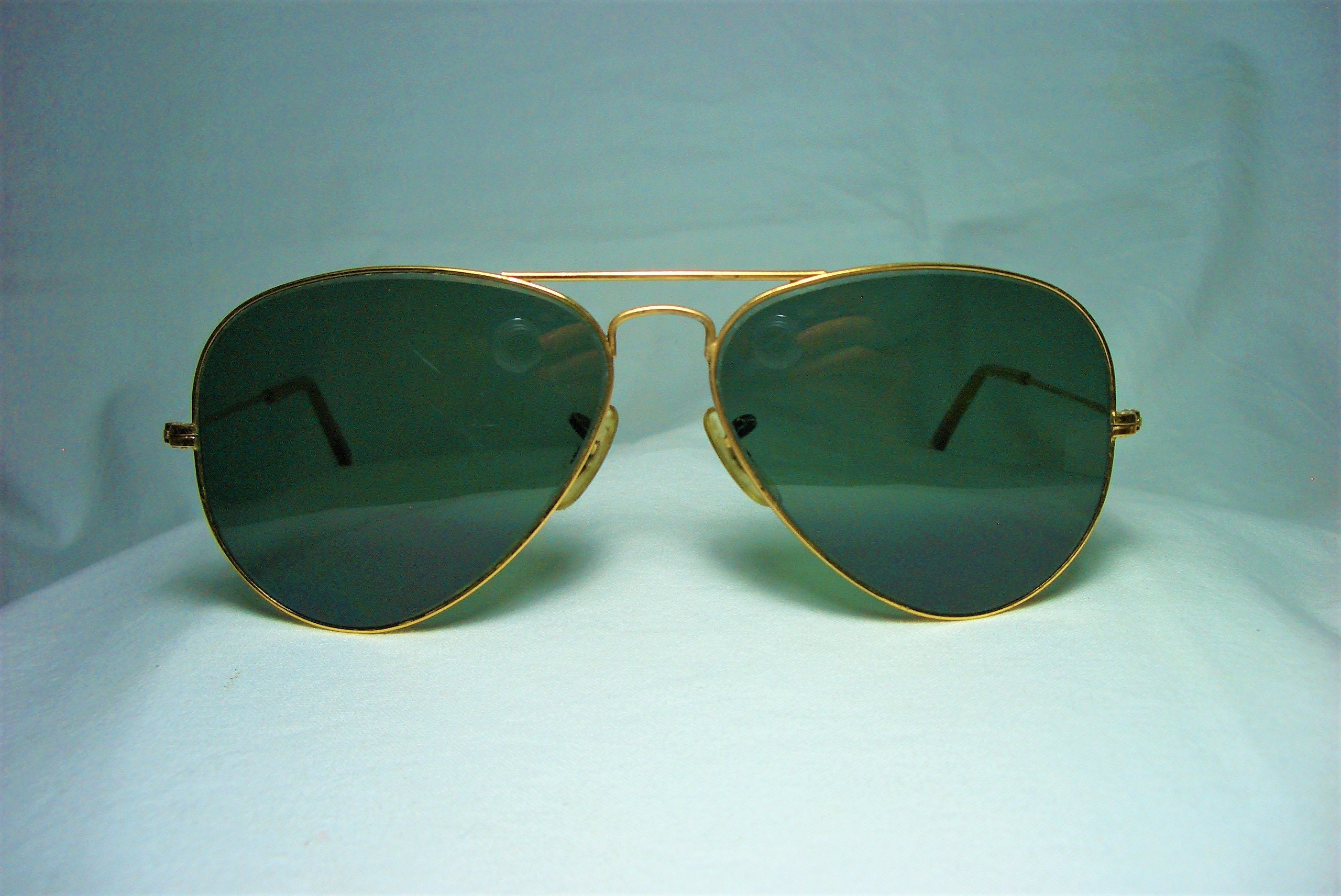 41880a0df4c9 Ray Ban Aviator sunglasses RB 3025 gold plated crystal