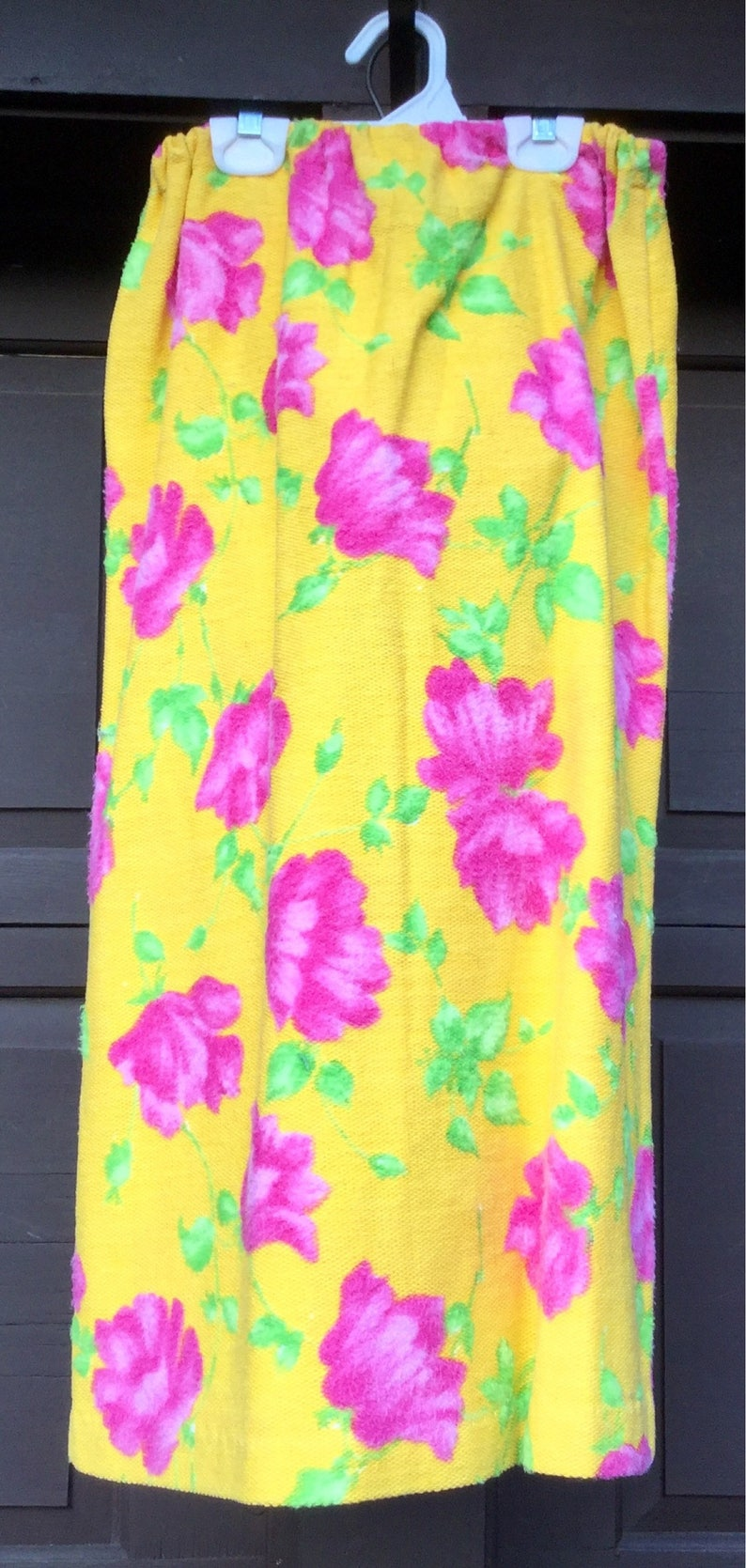 1980s Floral Print Skirt Yellow Pencil Neon Pink Rose Flower Long Midi Saks Fifth Avenue\u201d England EasterWinter Woman/'s Size Small Vintage