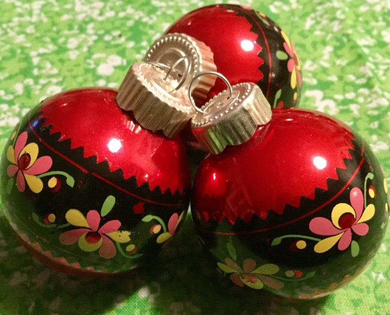 Christmas Ornament 17 Piece Blown Glass Painted Floral Folk Art Red Small Round Martha Stewart Vintage 1990/'s Xmas Decor SET