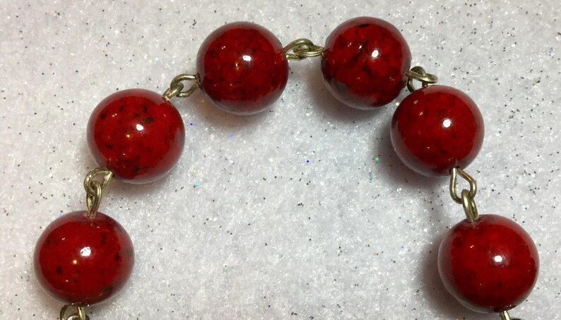 Christmas Bead Necklace Choker /& Earrings Red Cherry Green Xmas Holiday Vintage Handcrafted 2 Piece SET
