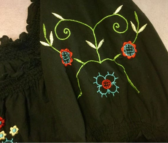Black Embroidered Blouse Top Floral Peasant Hunga… - image 4