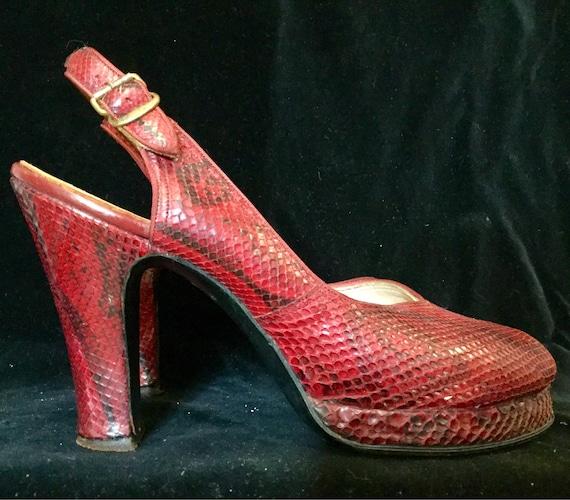 1940s Snakeskin Shoes High Heel Platform Pumps Red