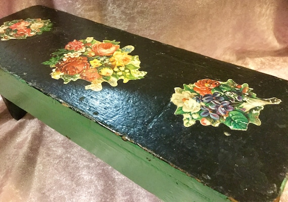 Pleasing Stool Cricket Bench Small Wood Painted Green Black Primitive Folk Art Floral Victorian Handmade Rustic Farmhouse Country Kid Child Vintage Dailytribune Chair Design For Home Dailytribuneorg