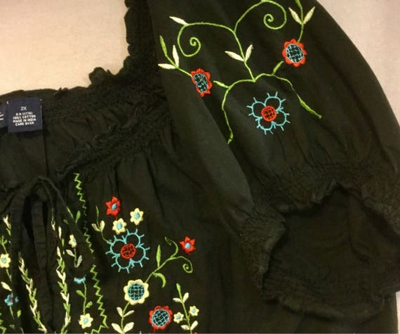 Black Embroidered Blouse Top Floral Peasant Hunga… - image 5
