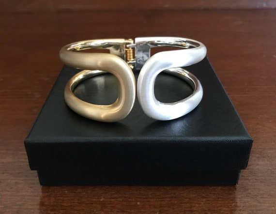 Two-Tone Matte Goldtone and Silvertone Wide Hinge… - image 9