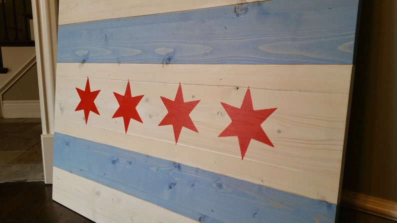 Wood City of Chicago Flag Natural Un-Burnt Hanging Wooden Flag Wall Art  Matte Finish