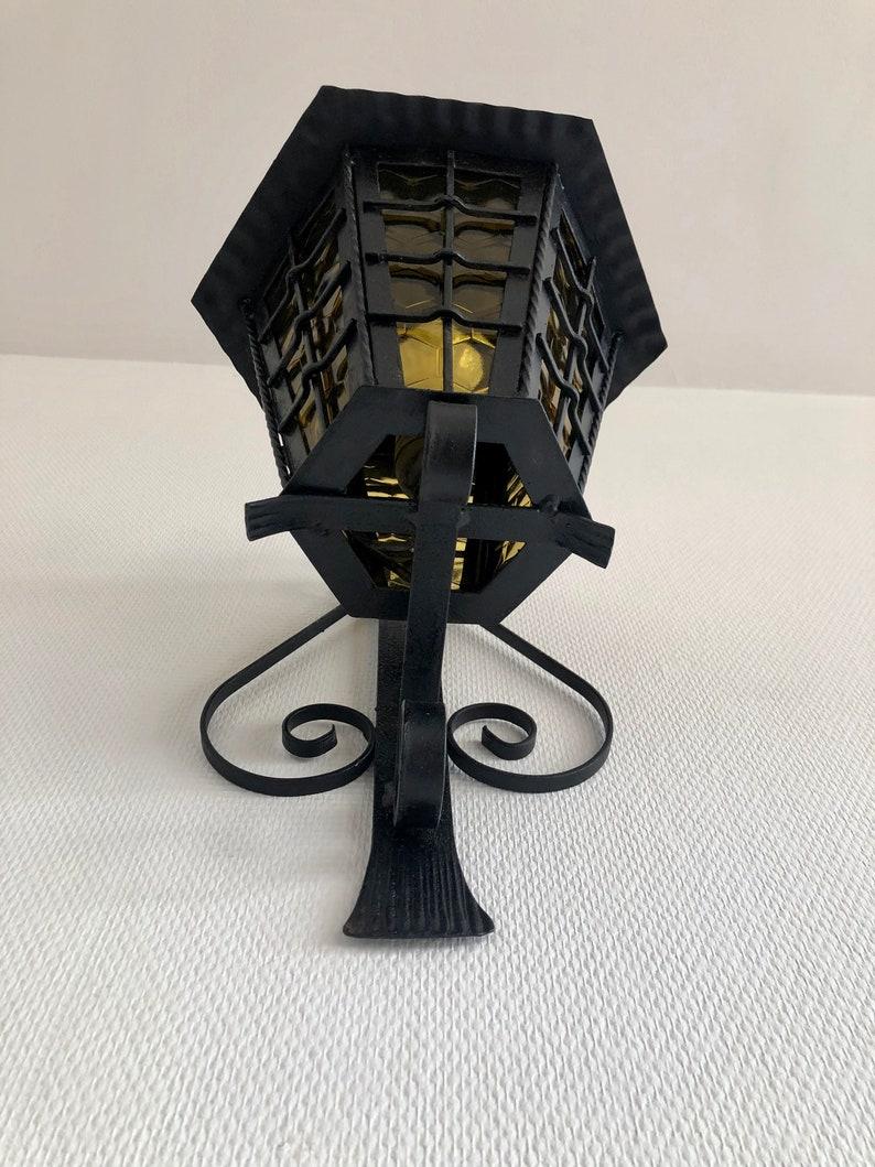 France noir et jaune luminaire jardin terrasse balcon fait main artisanat 1970 Grosse lanterne ext\u00e9rieure applique fer forg\u00e9 noir