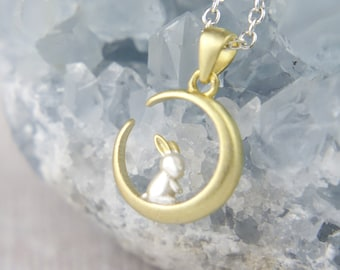 Easter Gift Bronze Tone Sitting Bunny Rabbit Necklace Brand New in Gift Bag