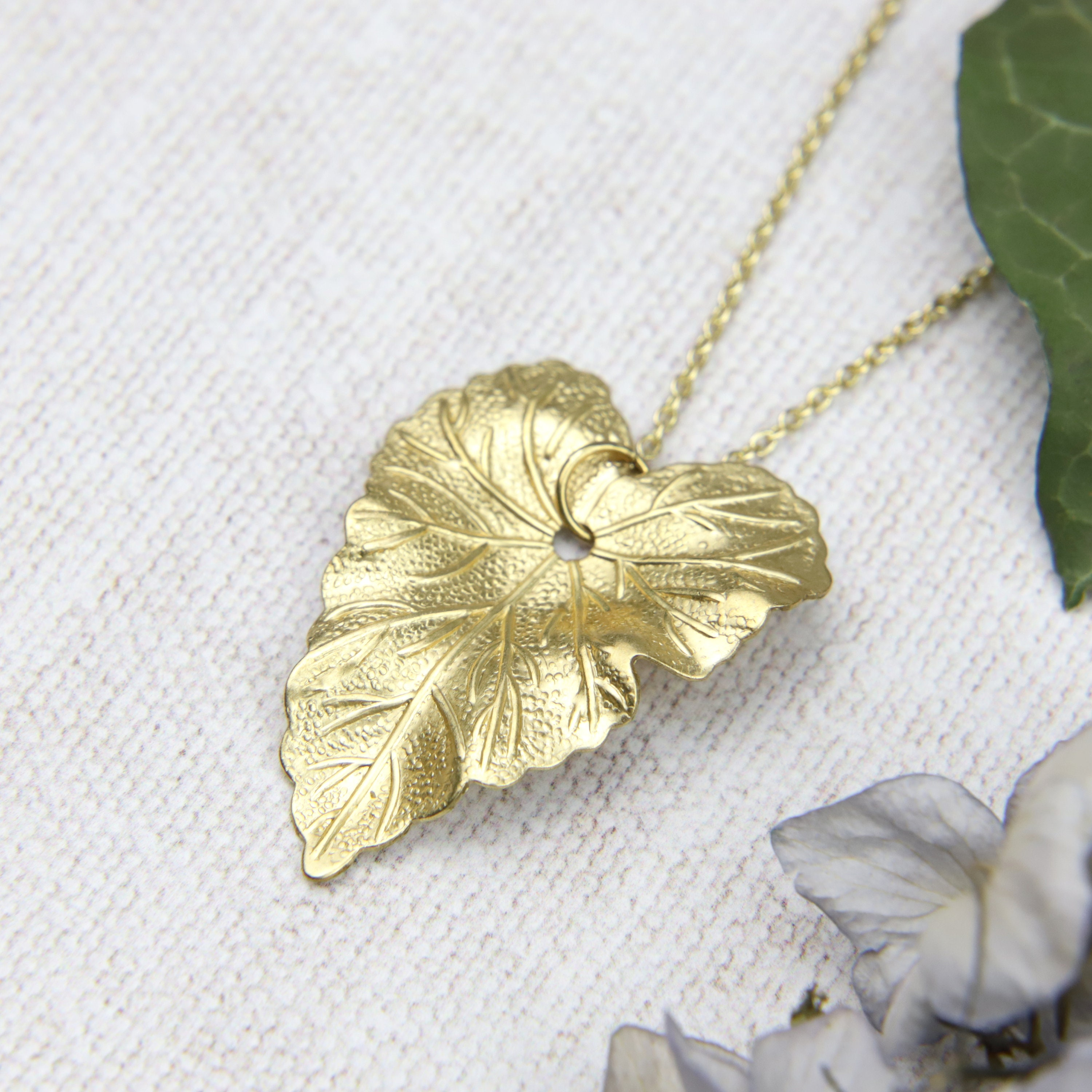 Ivy Leaf Necklace, Gold Ivy, Ivy Pendant, Gift Idea, Forest Wedding,  Woodland Wedding, Bridesmaid Jewellery, Gift for her, Autumn Necklace
