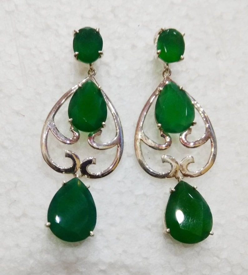Royal design natural green onyx faceted calibrated size stone 925 sterling silver stud earring