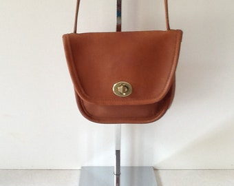3cbf10c6f Coach Vintage Leather Everett Bag In British Tan