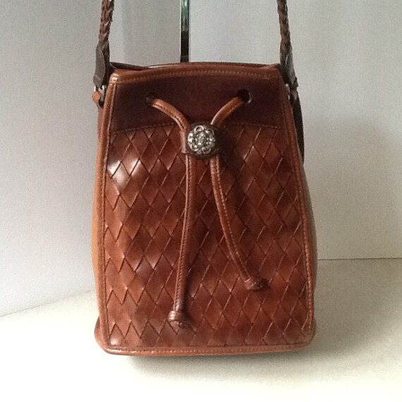 Brighton Vintage Leather Bucket Bag In Caramel