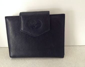 Black Leather Bifold Wallet With Kisslock Change Purse