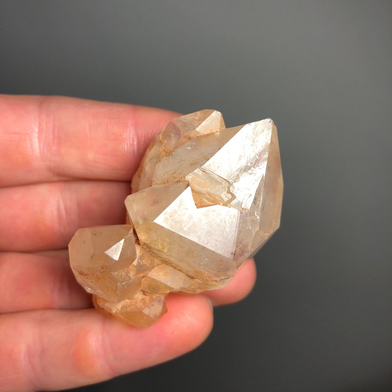 Between Worlds Spiritual Communication Over A Long Distance Powerful Healing Crystal For Lovers Of Golden Healer Reiki. Two-Tone Quartz