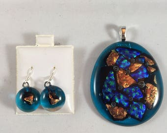 Dichroic glass pendant and earrings