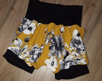 Scalable shorts, flowers, 4 choices of colors, children's clothing, baby girl clothes, summer, grow with me