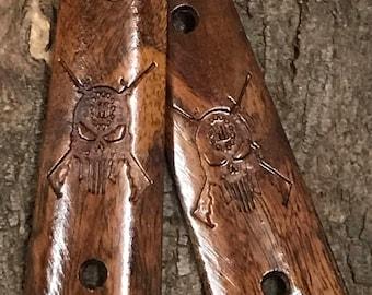 Mesquite skull and crossguns 1911 grips