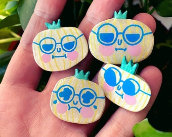 Friend Onions - Sassy Snacks Handmade Clay Pin | Emotional Onion  Polymer Badge | Cute Lapel Pin | Crying Shallot Brooch