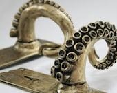 Octopus Arm door handles