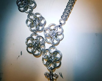 Floral Honey Bee Necklace made of Aluminum Jump Rings