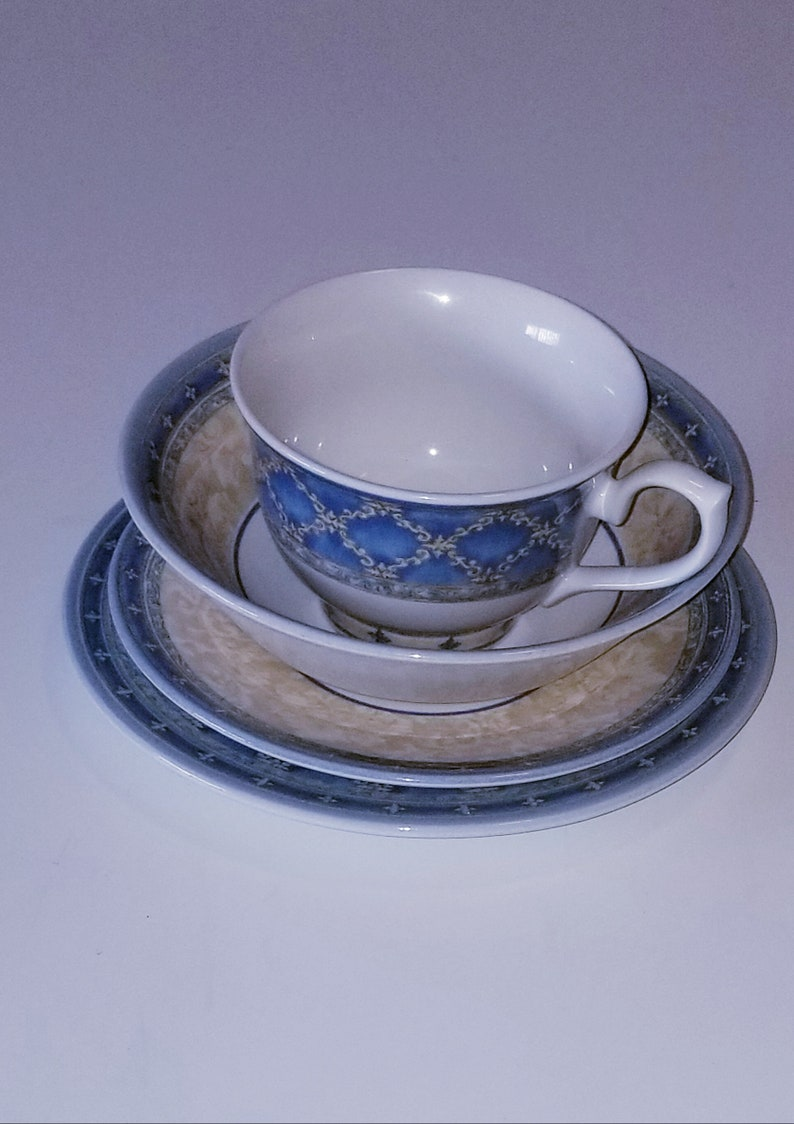 Soup Bowl Tea cup and Saucer- Stoneware-Dinnerware Set .Made in  England. 1990s Vintage Churchill 4 pieces Dinnerset -Salad plate