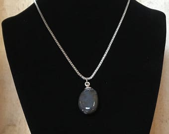 Silex necklace - Polished stone on stainless steel chain