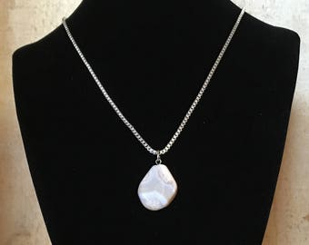 Beige Agate necklace - Polished stone on stainless steel chain