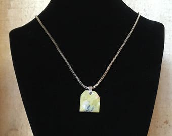 Serpentine and Spinel necklace - Polished stone on stainless steel chain