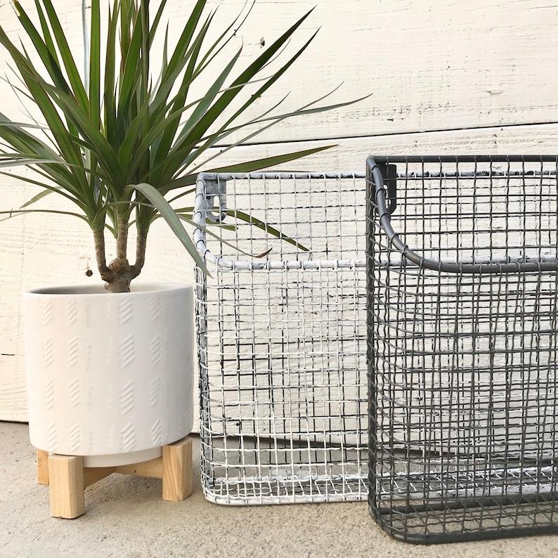 Metal Magazine Basket/ Metal Wire Basket/Chippy Basket/ White image 8