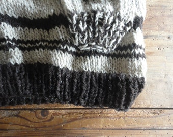 hand knitted SWEATER / PULLOVER, made from natural hemp-wool in beige with brown details // chunky, boyfriend's, christmas