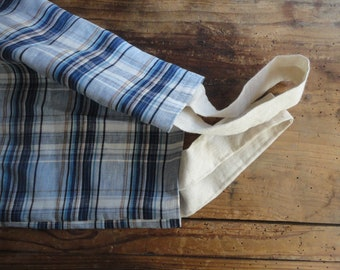 simple LINEN tote, hand-made from midi weight patterned linen // plaid in beige and blue, with matching handles or those in beige