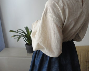 OUTFIT nr. 65 // cotton jeans skirt and cotton - linen blouse in creme with long sleeves (SPRING 2020)
