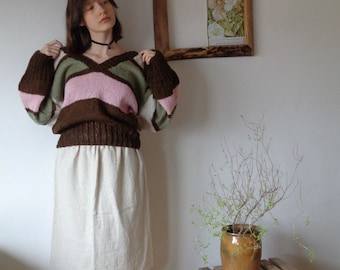 OUTFIT 3 // autumn 2020: soft hemp skirt + hand knitted sweater with stripes and v-neck