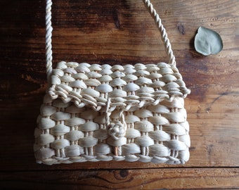 handwoven SHOULDER BAG without inlet, hand-made from natural husk