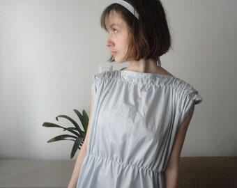 OUTFIT nr. 67 // blue cotton dress (smocked, sleeve less) with hair band (SPRING 2020)