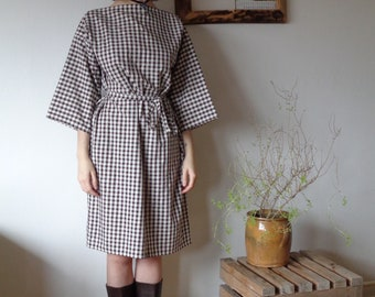 OUTFIT 7 // autumn 2020: plaid cotton dres with kimono sleeves and belt