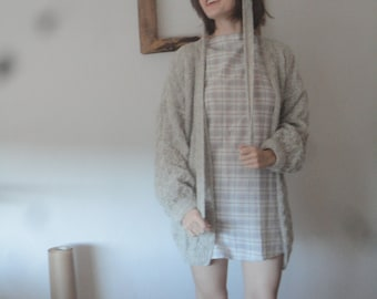 OUTFIT 1 // spring 2020: cotton plaid dress  with smocked sleeves, boat neck and belt + handknitted wool cardigan with belt