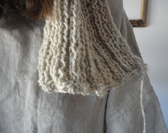 OUTFIT nr. 51 // natural linen tunic dress with knitted wool beanie and scarf