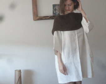 OUTFIT 7 // spring 2020: midi weight linen dress with kimono sleeves + long hand knitted wool scarve