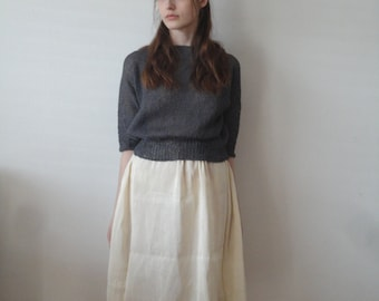 OUTFIT nr. 12 // light midi chic hemp-silk skirt, knitted linen sweater in dark grey and various linen totes