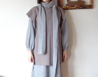 OUTFIT 7 // winter 2020: double gauze dress + wool felt vest + large double gauze scarve + wool beanie