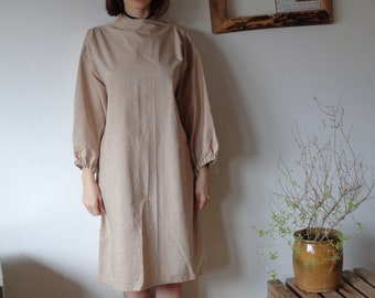 OUTFIT 8 // autumn 2020: organic cotton dress with gathered sleeves + heavy ramie-cotton coat with belt