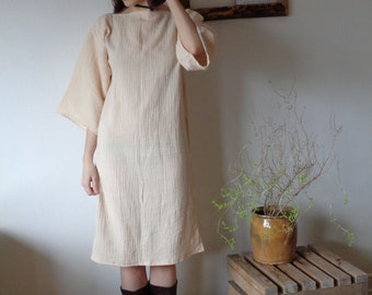 OUTFIT 4 // autumn 2020: simple double gauze tunic dress + heavy ramie-cotton coat with belt