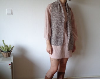 OUTFIT nr. 24, autumn 2021 // old pink cotton-linen dress with long sleeves and belt with hand-knitted soft hemp-cotton scarve (size S - M)