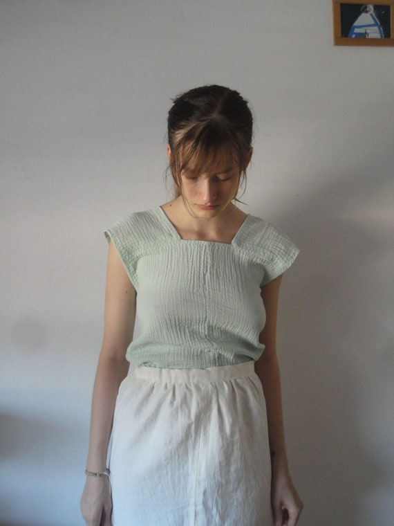 OUTFIT nr. 21 // short soft hemp skirt with back tie and simple organic cotton double gauze top in mint (SUMMER 2019)