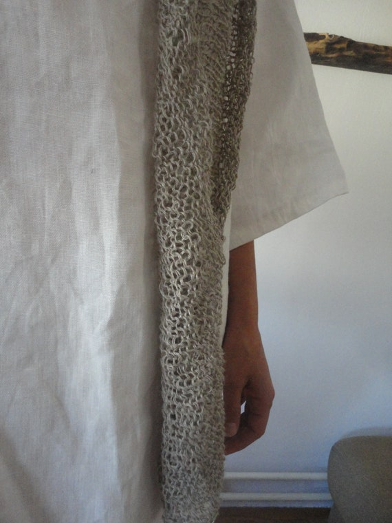 OUTFIT nr. 49 // white linen short tunic dress with pockets and knitted linen shawl in natural color