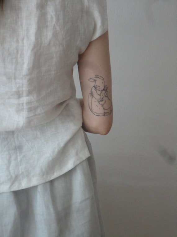 OUTFIT nr. 6 // simple grey linen midi long skirt and simple white linen top without sleeves (SPRING / SUMMER 2019)